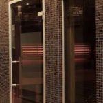 Skleněné dveře a sprchové kouty v interiéru