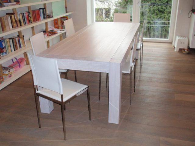 Kvalitní stůl zmasivu bude vypadat moderně