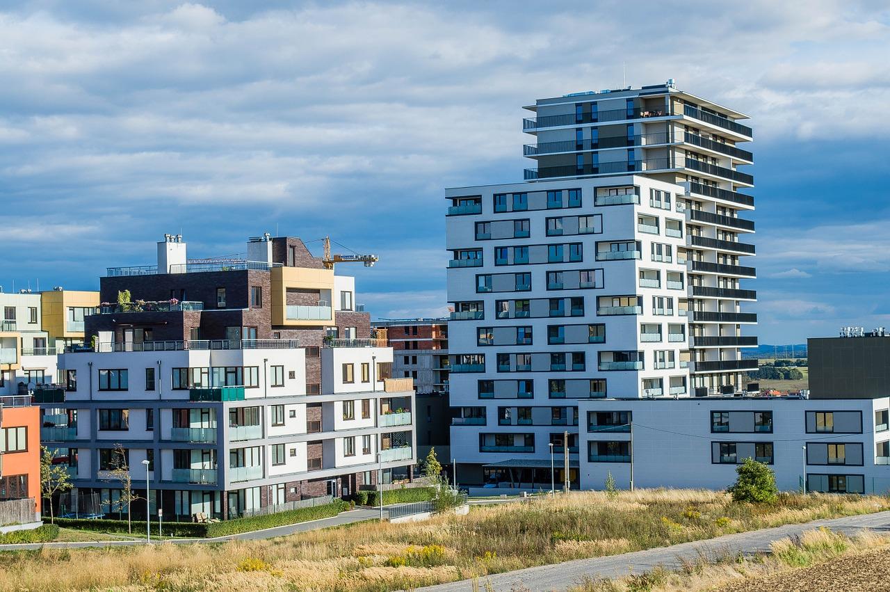 Hledáte nové bydlení v Praze? Máme dva skvělé tipy!