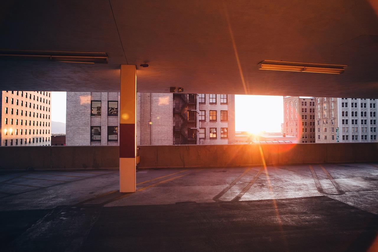 Zatněte tipec křivým podlahám díky litému betonu