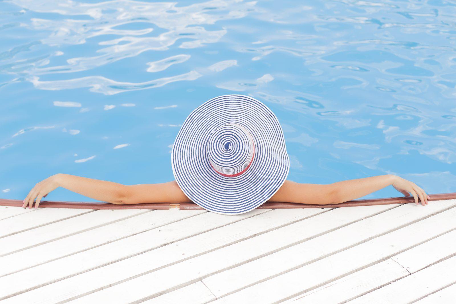 Důležité pojmy pro všechny majitele bazénu: aktivní kyslík, flokulanty a další